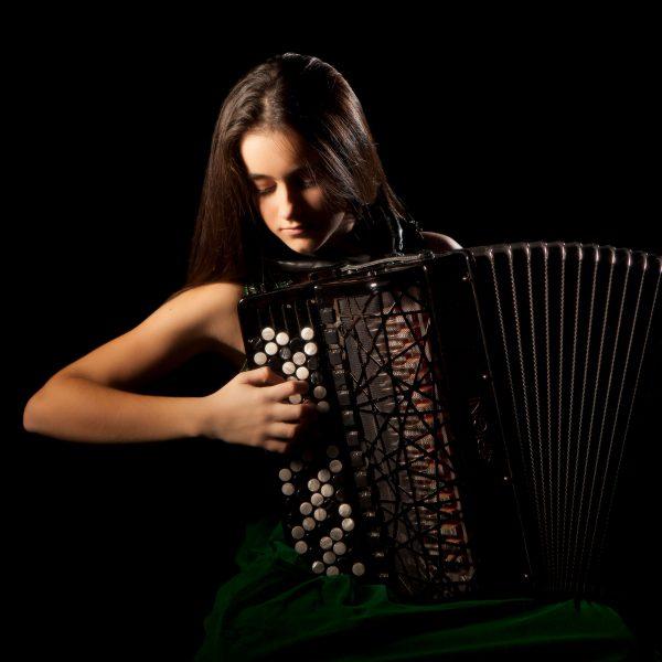 marta-cubas-acordeonista